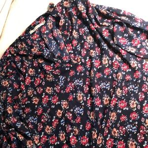 Very cute floral blouse